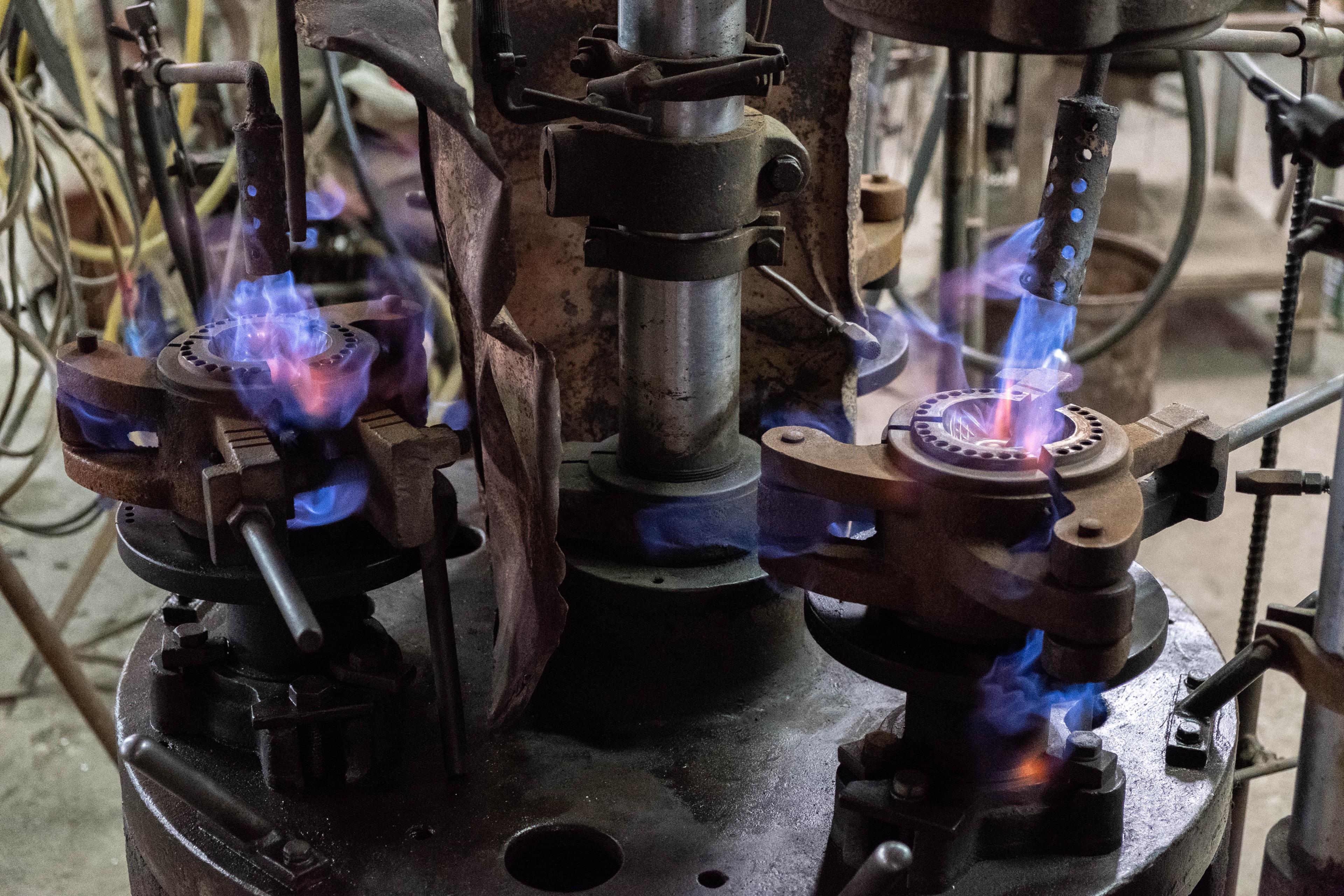 紅琉璃、玻璃、玻璃工藝、玻璃製造、玻璃產品、玻璃代工、機壓玻璃