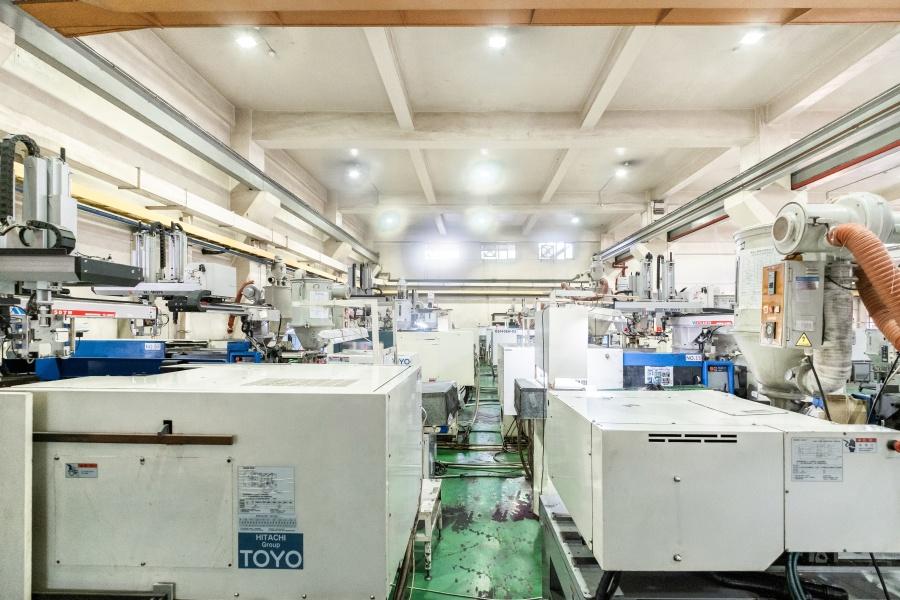 隆怡工業塑膠射出成型部門