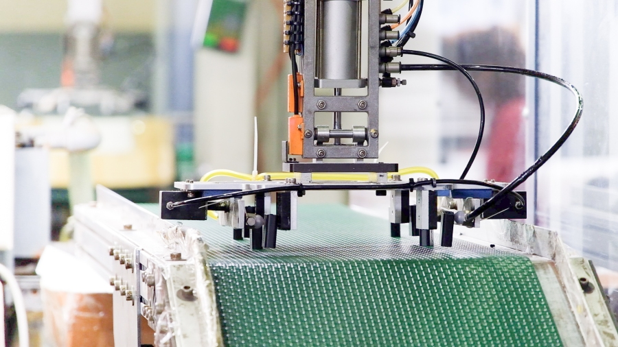 隆怡工業塑膠射出成型自動化